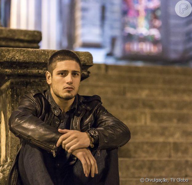 João Lucas (Daniel Rocha) é assaltado e fica muito machucado, em 'Império', em 9 de agosto de 2014