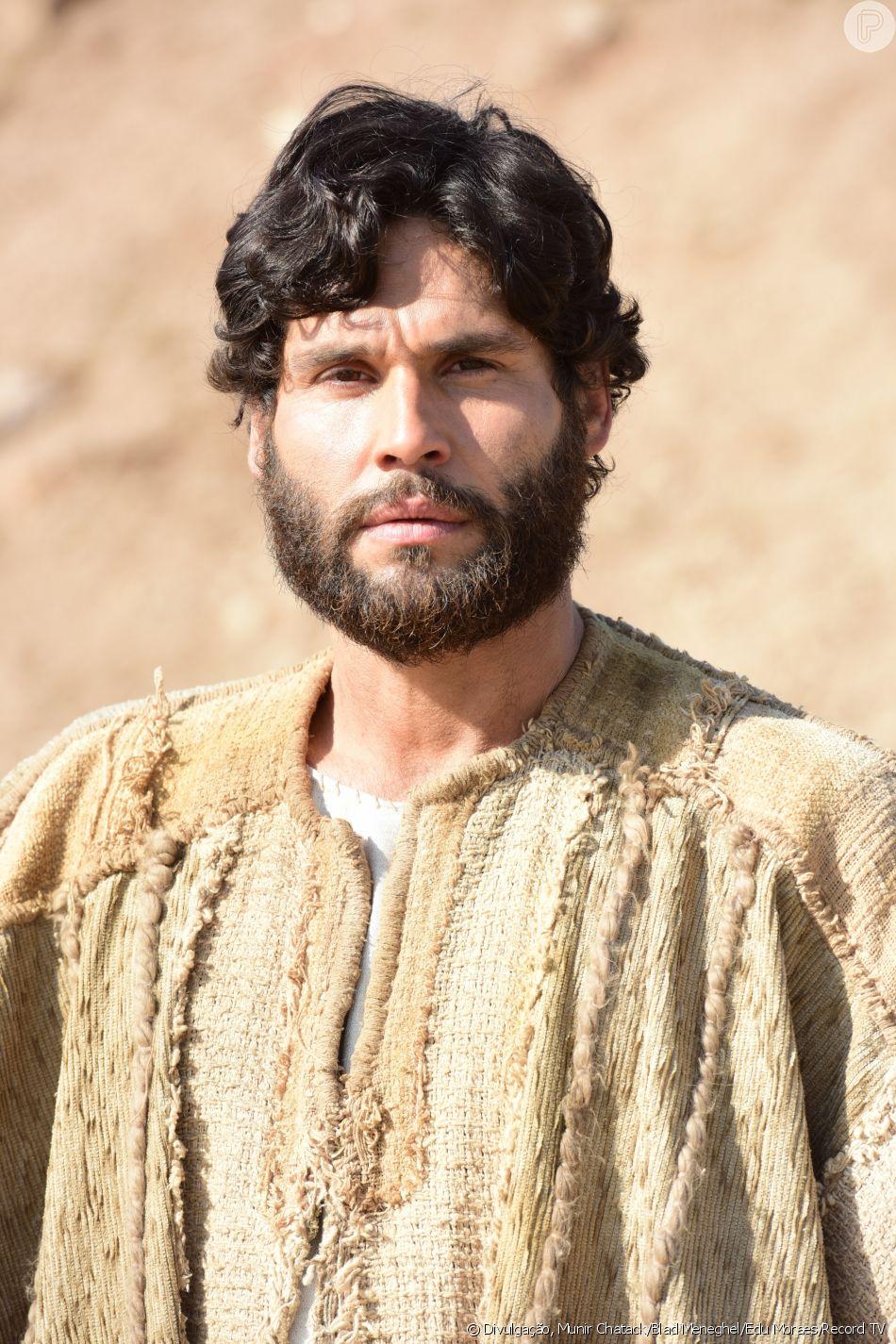 Jesus (Dudu Azevedo) passa a fazer os primeiros milagres a partir do capítulo de quarta-feira, 22 de agosto de 2018 da novela 'Jesus'