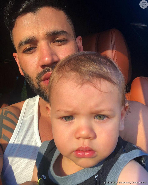 Gusttavo Lima e filho Gabriel chamaram atenção por semelhança em foto