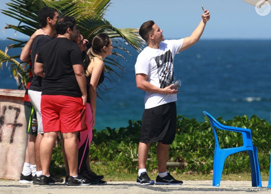 Wesley Safadão foi tietado por fãs na Barra da Tijuca, Zona Oeste do Rio, nesta segunda-feira, 20 de agosto de 2018
