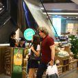 Edson Celulari faz compras e passeia com a filha, Sophia, no Shopping Rio Design, no Rio de Janeiro, em 5 de agosto de 2014