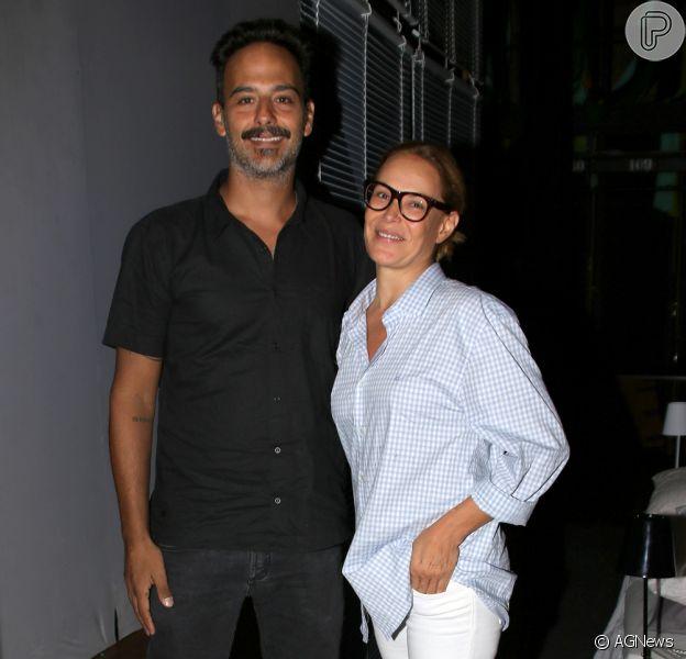Carolina Ferraz e o médico Marcelo Marins se separaram após seis anos juntos