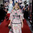 a Dolce & Gabbana tem esse tipo de look como especialidade