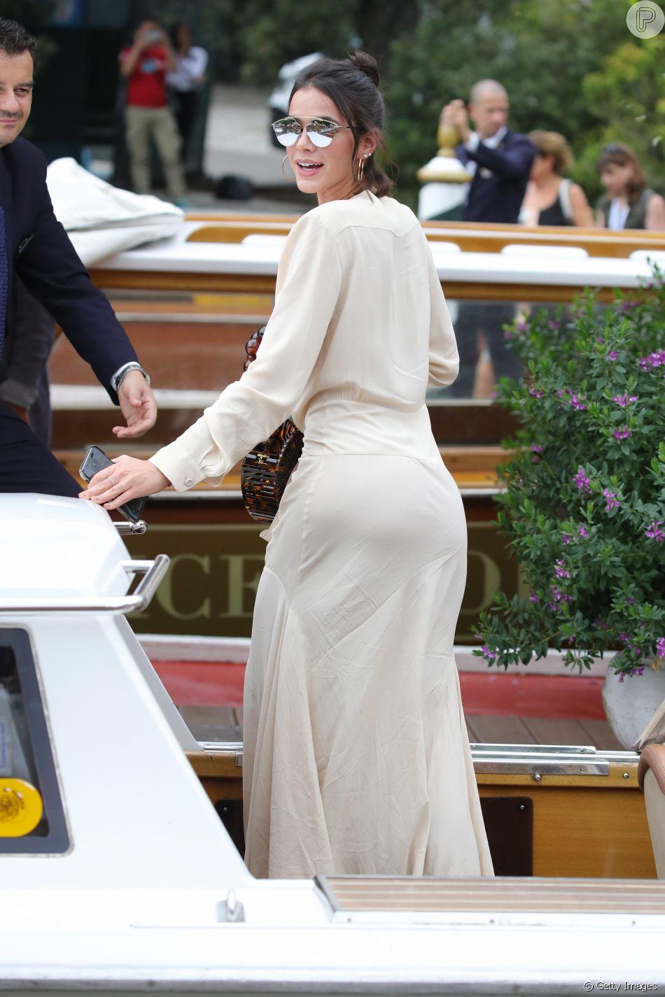 be9321acfdcb7 Bruna Marquezine usou óculos Christian Dior,  So Real Pop  - Purepeople
