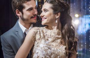 Beijo roubado e confusão: o noivado de Marocas e Samuca em 'O Tempo não Para'