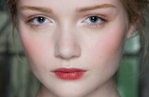 Polêmica fashion! Maquiagem sem máscara de cílios é a mais nova tendência