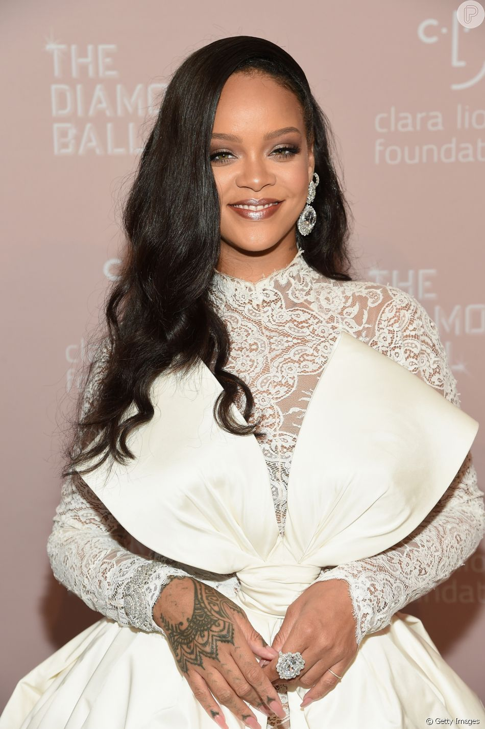 a5b116f3ca9 Rihanna exibiu joias da marca suíça Chopard - Purepeople