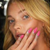 Hand art é a nova moda! Veja 4 maneiras de decorar os dedos junto com as unhas