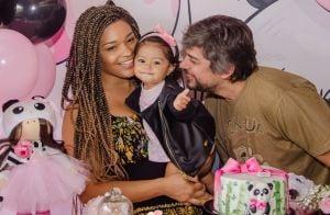 Juliana Alves comemora primeiro aniversário da filha: 'Yolanda chegou há um ano'
