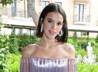 c04a68fcba Bruna Marquezine elege terninho verde Dolce & Gabbana em evento na  Itália.