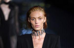 O desfile Saint Laurent na Semana de moda de Paris é um resgate dos anos 80