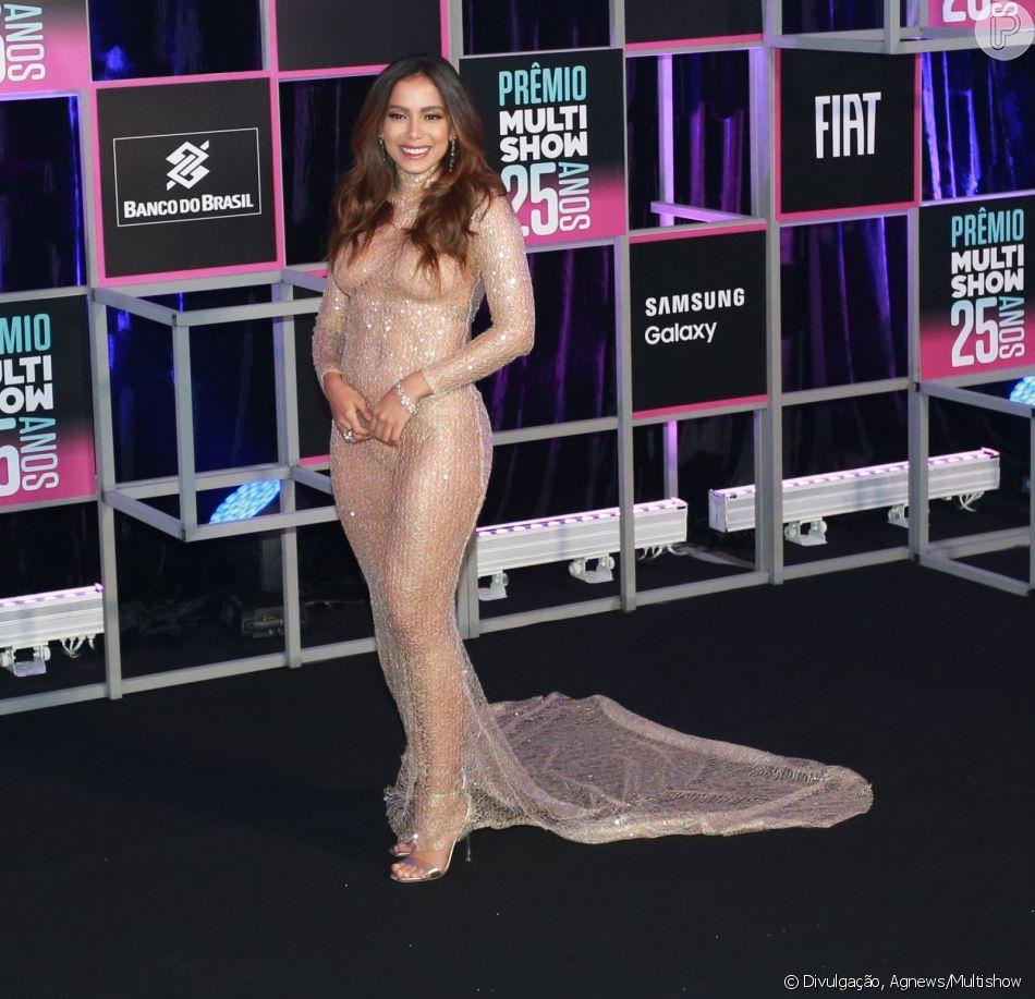 dfbffceb0d Anitta usa look transparente e com brilho no Prêmio Multishow nesta  terça-feira