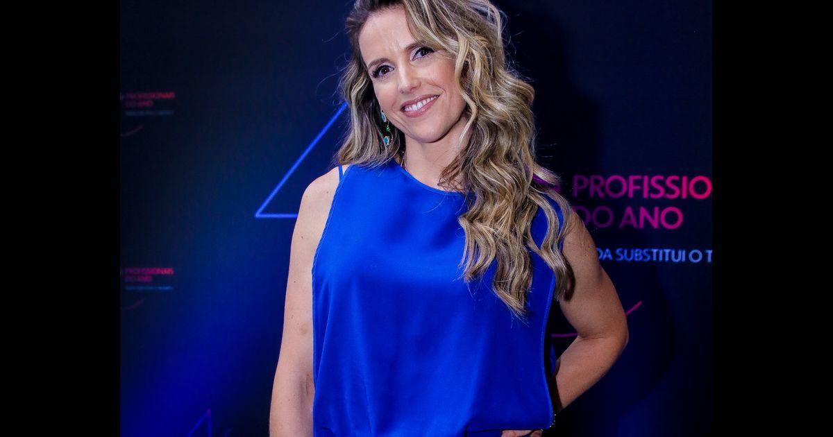 5d7a086c2 Mariana Ferrão compareceu ao Prêmio Profissionais do Ano
