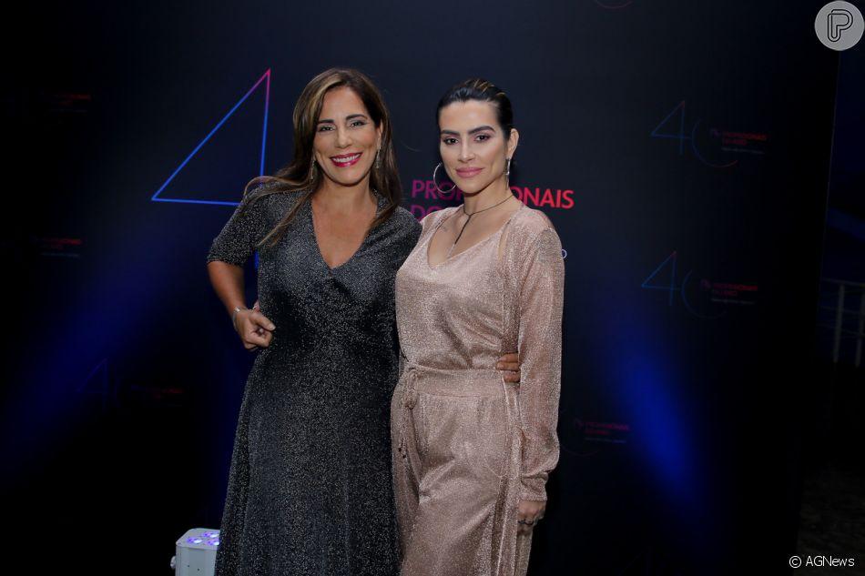 5e8ed9201 Gloria Pires com a filha Cleo no Prêmio Profissionais do Ano