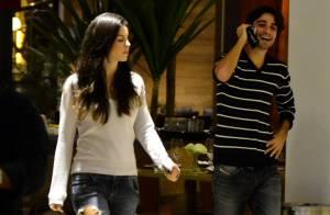 Sthefany Brito faz passeio em shopping carioca com o namorado, Igor Raschkovsky