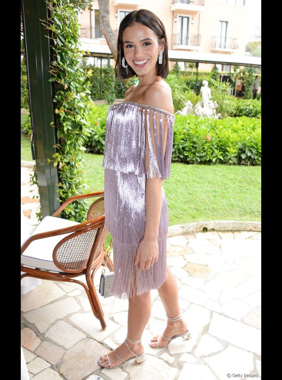 Bruna Marquezine escolheu um look com pegada sporty - Purepeople 4d913b7739