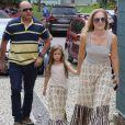 Angélica combinou look com a filha, Eva, para votar