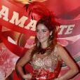 No Carnaval, Monique Alfradique preza pelo brilho