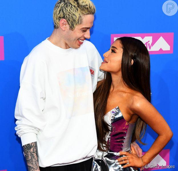 Ariana Grande e Pete Davidson se separam após cinco meses de noivado - Purepeople