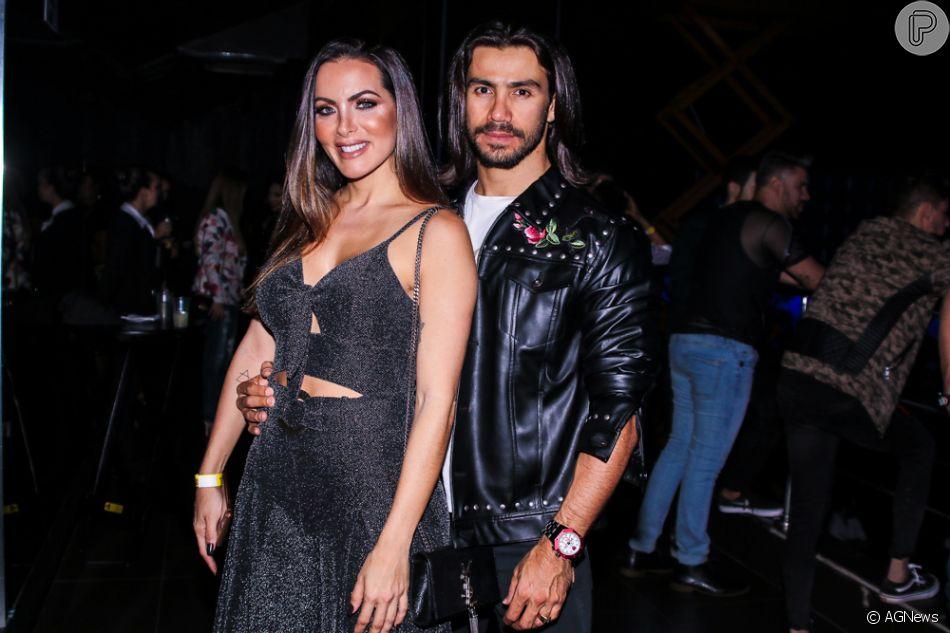 Namorada de Mariano, Carla Prata afastou rumor de gravidez em comentário no Instagram