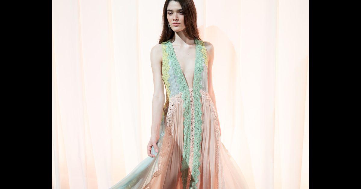 5eeaa1dc41 Os vestidos de princesa que estão na moda para o verão 2019 - Purepeople