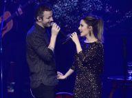Mãos dadas e beijo no palco: Sandy faz show com o marido, Lucas Lima. Fotos!