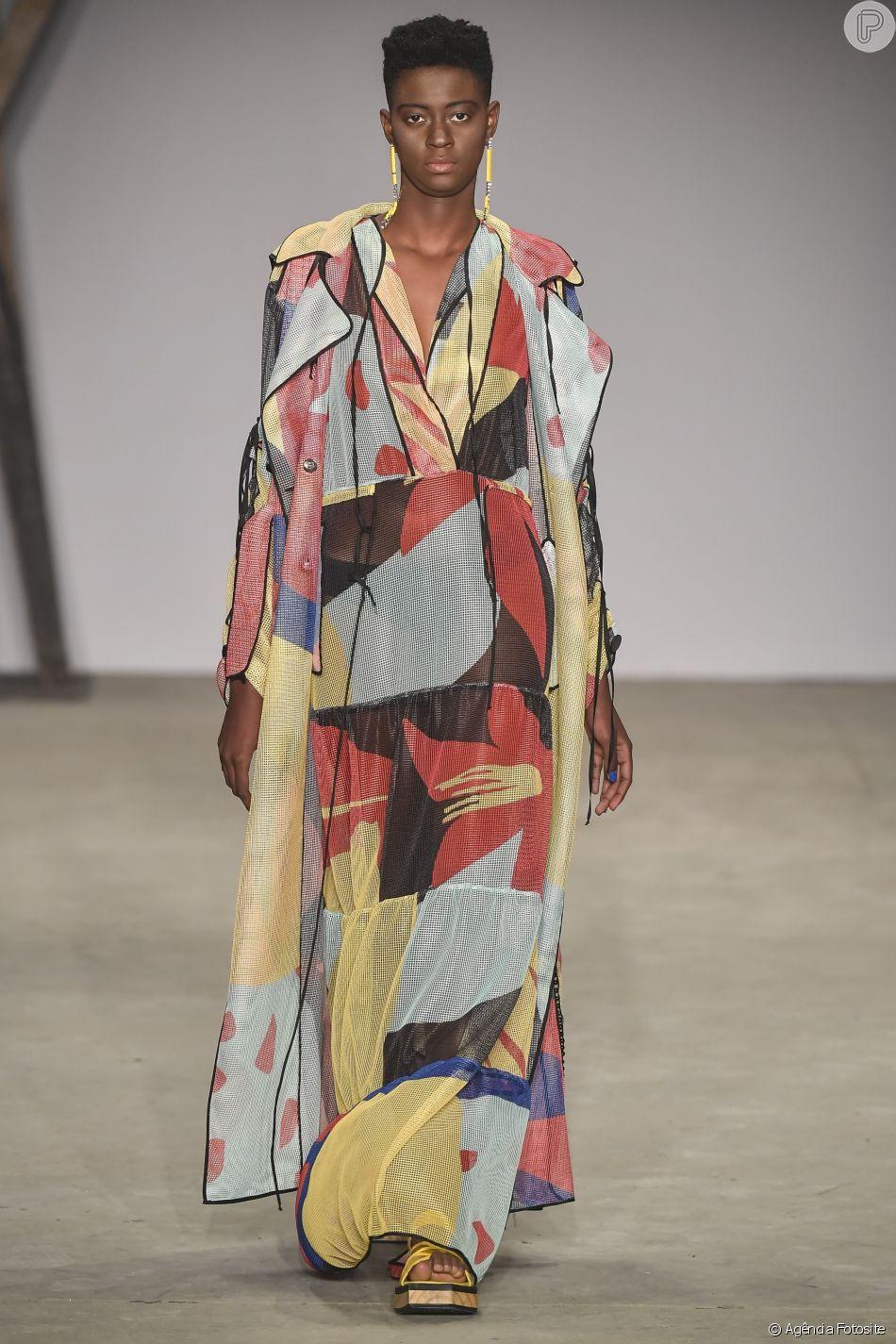 Estampas que foram sucesso no São Paulo Fashion Week: artsy print no look Apartamento 03
