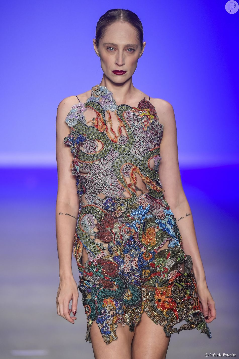 Estampas que foram sucesso no São Paulo Fashion Week: riqueza de detalhes no look Lino Villaventura
