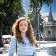 Na novela 'O Tempo Não Para', Celine (Maria Eduarda de Carvalho) será quem levará Marocas  (Juliana Paiva)  até o local onde acontecerá o pedido de casamento
