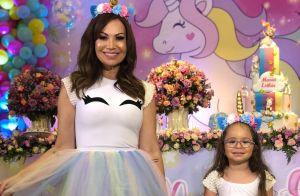 Solange Almeida posa com filha em festa e semelhança impressiona: 'Sua cara'