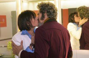 'O Tempo Não Para': dom Sabino e Carmen têm 1ª noite juntos e iniciam namoro