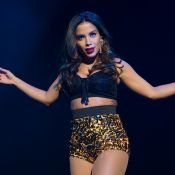 Anitta exibe corpão em maiô grifado durante passeio de iate nos Estados Unidos