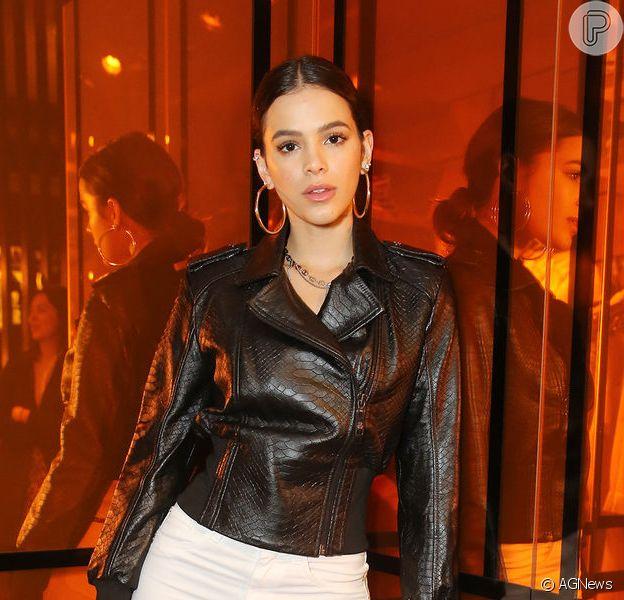 Bruna Marquezine arrasou em look de R$ 12.400 em passagem pelos Estados Unidos