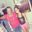 Neuza Borges recebe fãs no brechó 'La Borges'
