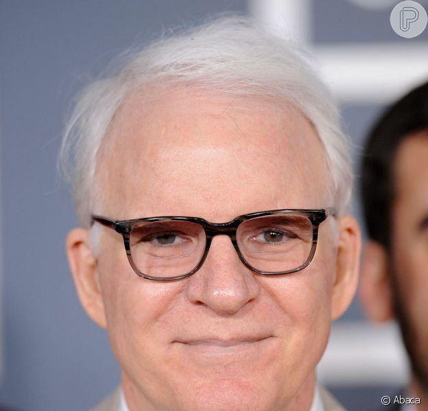 Steve Martin, visto aqui no tapete vermelho do 54° Grammy Awards, em Los Angeles, em 2012, é pai pela primeira vez, aos 67 anos, informa jornal americano em 13 de fevereiro de 2013