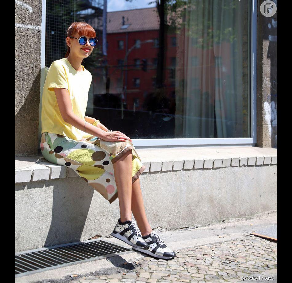 Tênis no look de verão  aprenda a combinar e a deixar o visual fresquinho! c23e44a6a0acf