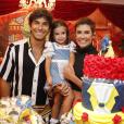 Deborah Secco faz festa para comemorar o aniversário de 3 anos da filha, Maria Flor