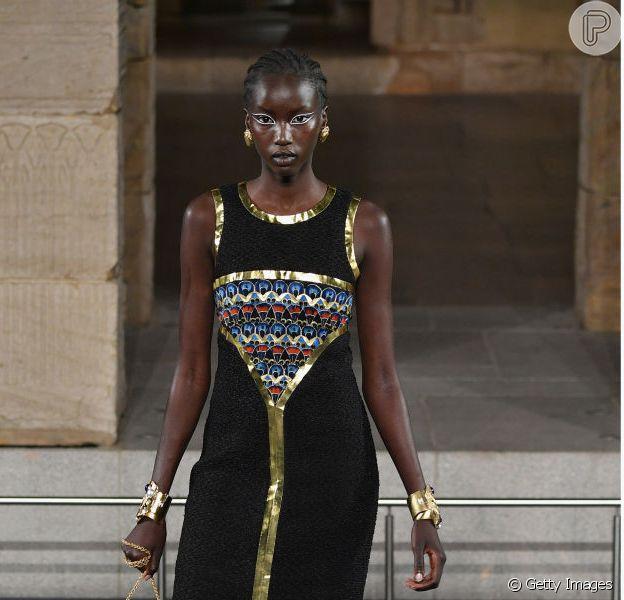 Desfile da Chanel rolou em 4 de dezembro de 2018 no Met Museum, em Nova York