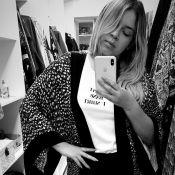 Marília Mendonça usa kimono estampado e exibe look: 'Básica como a segunda'