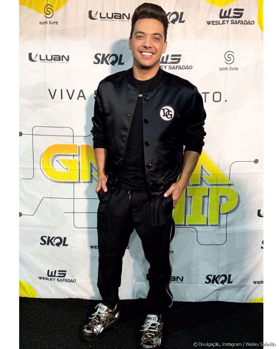 71df7afe7 Wesley Safadão usou tênis Gucci e jaqueta Dolce & Gabanna em show neste  domingo,