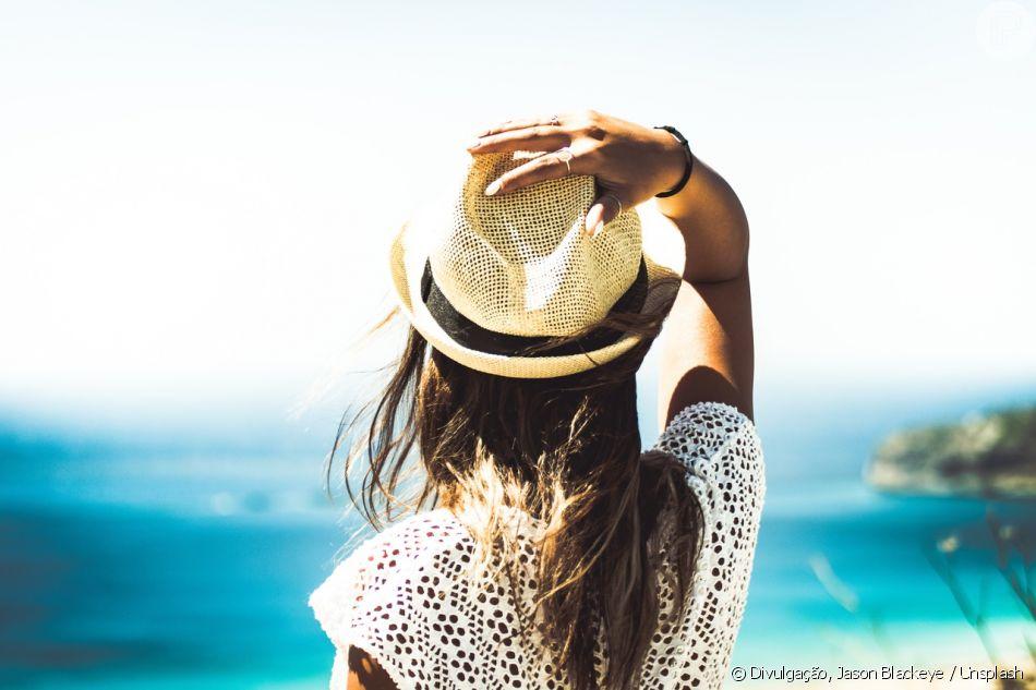 Cabelos no verão podem, sim, ser bonitos e brilhosos! Confira o manual com dicas!