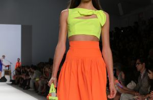 Saia midi segue como trend: inspire-se nos modelos da vez
