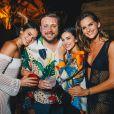 Bruna Marquezine posa com Leo Fuchs, Manu Gavassi e Izabel Goulart durante festa 'Benção', promovida pela agência Carvalheira, em Fernando de Noronha, neste sábado, 29 de dezembro de 2018