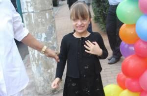 Rafaella Justus vai toda de preto ao aniversário de filha de Marcos Mion