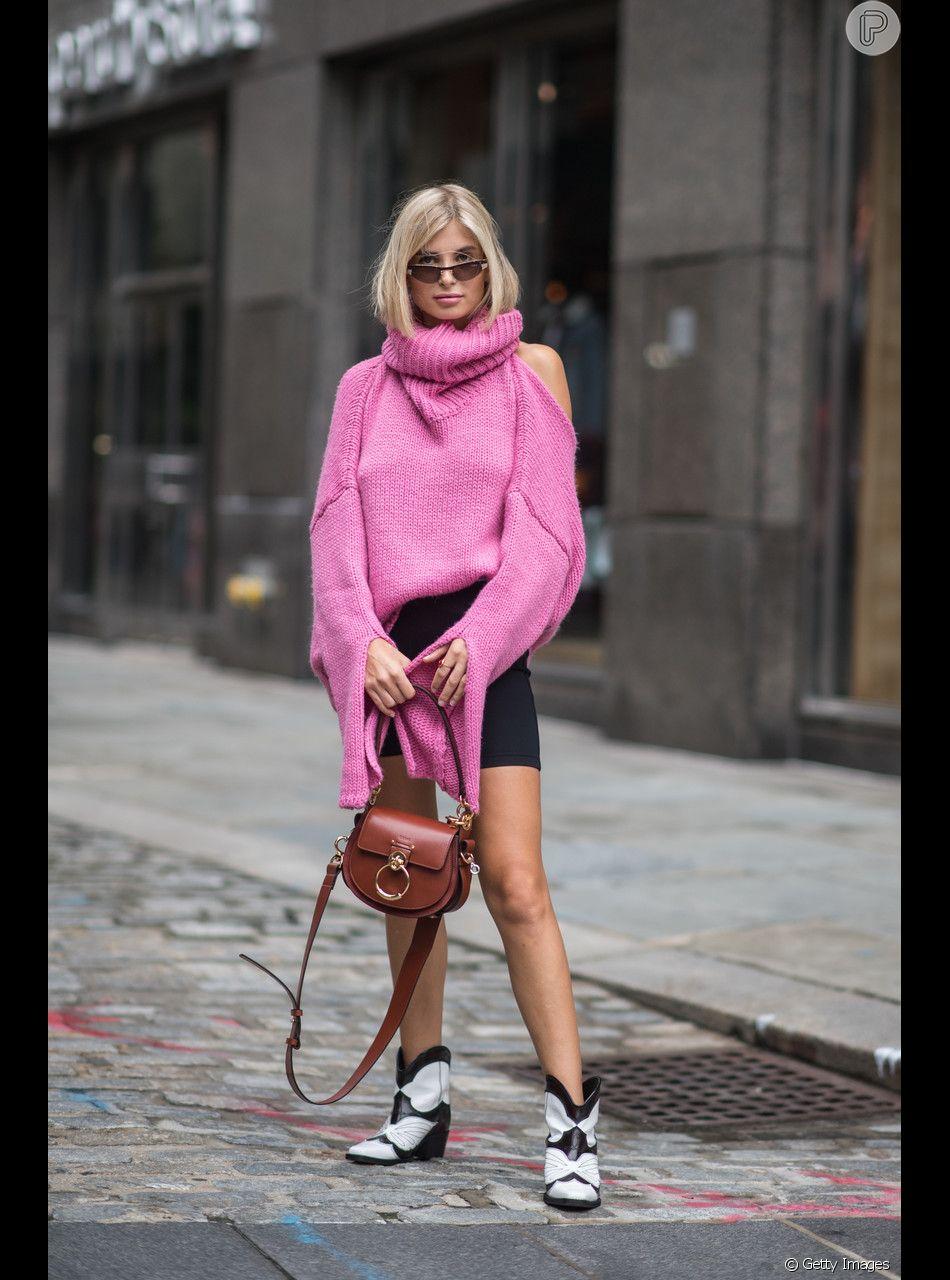A bermuda ciclista pode ser usada com um suéter para criar um look sporty