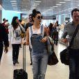 Macacão: Isis Valverde embarca no aeroporto Santos Dumont
