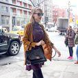 Taylor Swift tem suas bolsas como grandes aliadas para deixar o look mais elegante