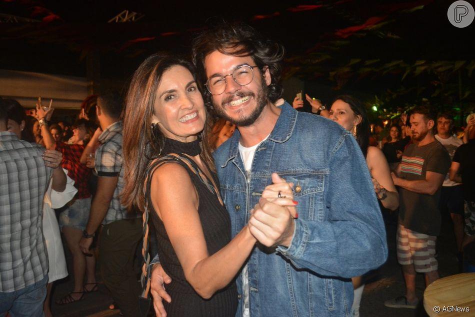Fátima Bernardes exaltou o namorado, Túlio Gadêlha: 'Namorado bom é aquele que ri com você porque concorda que a gente só leva da vida os momentos felizes que vivemos'