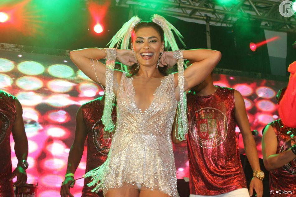 Juliana Paes arrasou no ensaio da Grande Rio para o carnaval 2019 no Clube Monte Líbano, na Zona Sul do Rio de Janeiro