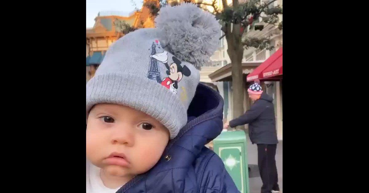 Filho mais novo de Wesley Safadão, Dom usa look fofo de frio na Disney  Paris   Meu amor . Vídeo! - Purepeople c336f542b1